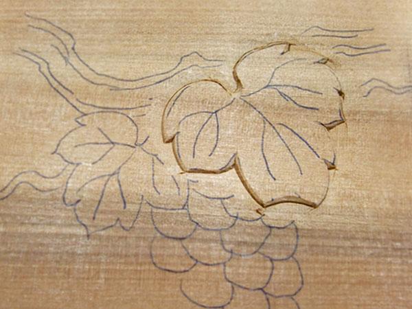 ぶどうの葉 木彫