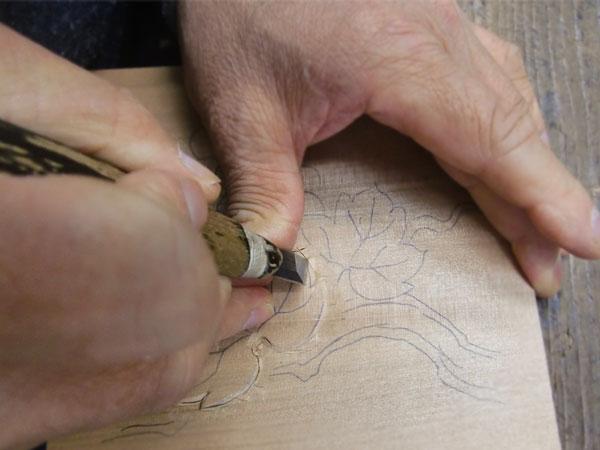 彫刻刀の握り方