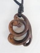 ペンダント 木彫り
