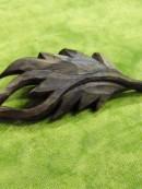 木彫ブローチ