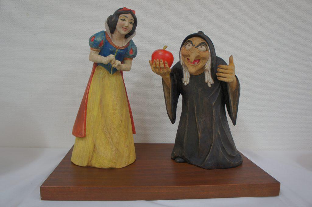 白雪姫と老婆